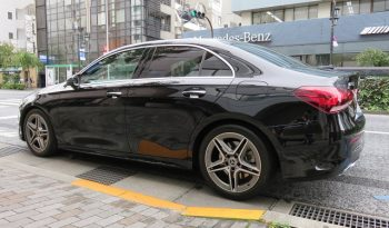 Mercedes Benz A250 4matic Sedan AMG Line full