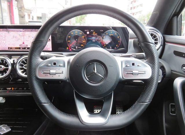 Mercedes Benz A250 4matic Sedan AMG Line full