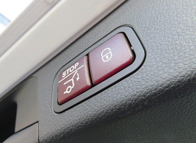 Mercedes Benz C180 Laureus Edition full