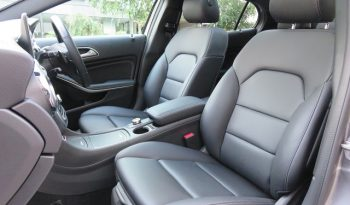 Mercedes Benz GLA220 4matic Premium PKG full
